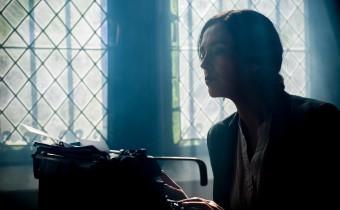 escritora escribiendo
